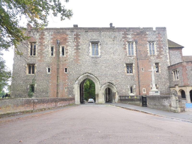 002_201609.17 St Albans Abbey - Main Gatehouse