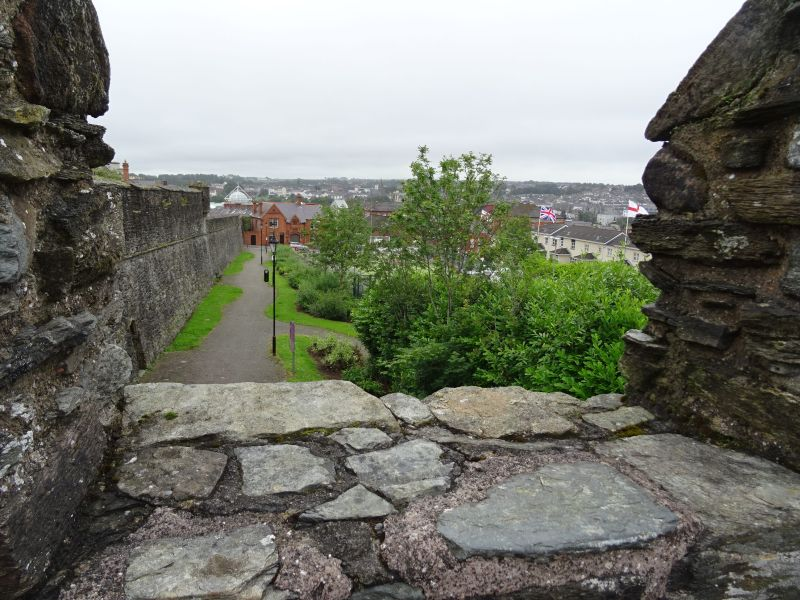 08 201707.04 Londonderry - view from City Walls (2)